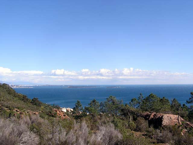 Vue sur Cannes et les Îles de Lérins